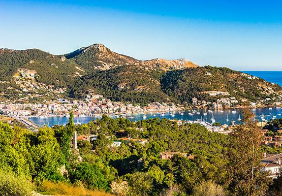 Mediterranean coast Spain Panorama Majorca Port of Port de Andratx | fotolia 140235204 ©vulcanus