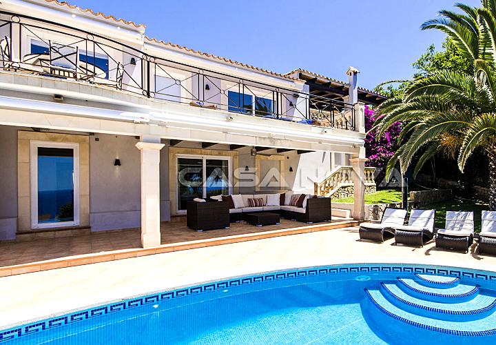 Villa in Südausrichtung mit fantastischem Meerblick