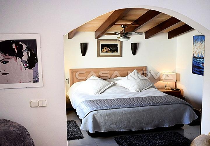 Mediterrane Villa in 2. Meereslinie und Strandnähe